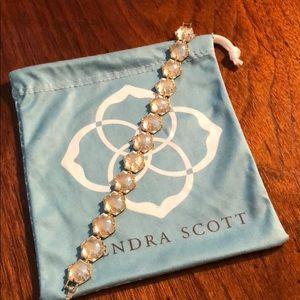 Grace bracelet in crackle crystal